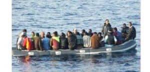 """إيقاف 25 مهاجرا سريا في شاطئ """"سيدي اعمار اموسى"""" ثزاغين"""
